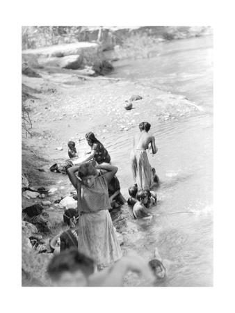 Washing at the River Near Tehuantepec, Mexico, 1929 Photographic Print by Tina Modotti