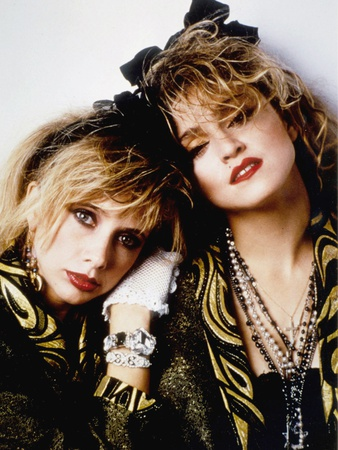 Desperately Seeking Susan 1985 Directed by Susan Seidelman Rosanna Arquette and Madonna Foto