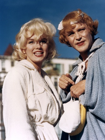 Some Like it Hot 1959 Directed by Billy Wilder Marilyn Monroe and Jack Lemmon Photo