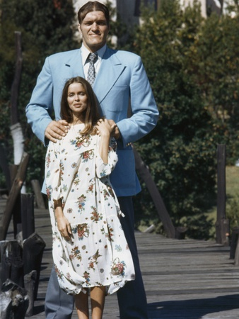 The Spy Who Loved Me 1977 Directed by Lewis Gilbert Richard Kiel / Barbara Bach Photo
