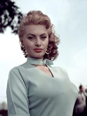 Peccato Che Sia Una Canaglia / Dommage Que Tu Sois Une Canaille  Sophia Loren Photo