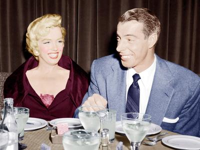 Marilyn Monroe with her second husband, Joe DiMaggio, 1954 Foto