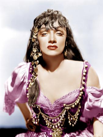 GOLDEN EARRINGS, Marlene Dietrich, 1947 Foto