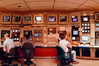 Physicists In SLAC Control Room Photographic Print by David Parker