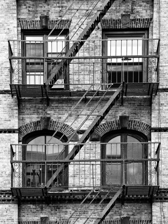 Fire Escape, Stairway on Manhattan Building, New York, United States, Black and White Photography Fotografisk tryk af Philippe Hugonnard