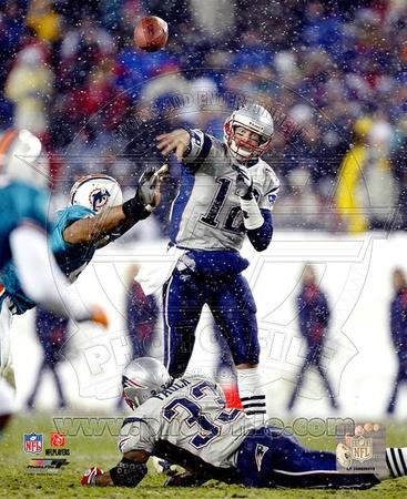 Tom Brady - Passing in Snow 12/7/03 Photo