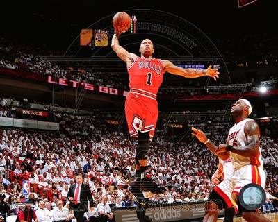 Basketball pic Chicago Bulls - Derrick Rose dunk Photo