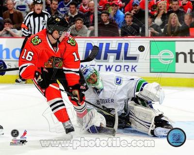 Chicago Blackhawks - Marcus Kruger Photo Photo