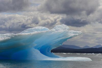 Icebergs in Laguna San Rafael, Laguna San Rafael NP, Aysen, Chile Photographic Print by Fredrik Norrsell