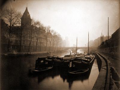La Conciergerie et la Seine, Brouillard en Hiver, 1923 Photographic Print by Eugène Atget
