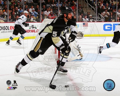 Pittsburgh Penguins Deryk Engelland 2013-14 Action Photo