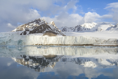 Smeerenburg Glacier, Smeerenburg Fjord, Svalbard, Norway, July 2008 Photographic Print by de la