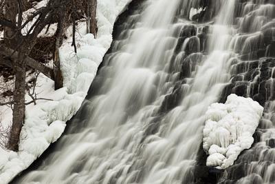 Oshinkoshin Falls I Photographic Print by Larry Malvin