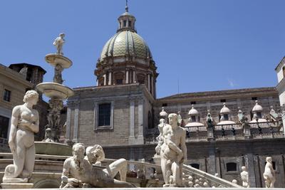 La Fontana Della Vergogna (The Pretoria Fountain), Palermo, Sicily, Italy, Europe Photographic Print by Oliviero Olivieri
