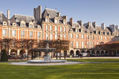 Place Des Voges, the Oldest Planned Square in Paris, Marais District, Paris, France, Europe Photographic Print by Julian Elliott