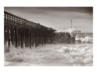 Giant Wave Art by Steve Munch