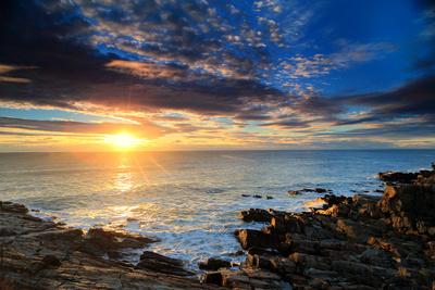 Sunrise over the Atlantic Ocean Off the Rocky Coast of Maine Fotografie-Druck von Robbie George