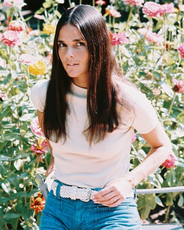 Ali MacGraw Photo