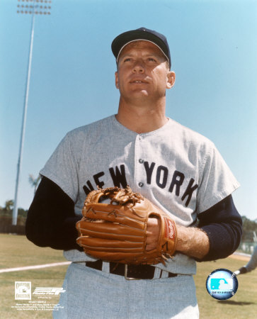 Mickey Mantle - 11 Posed with Glove Photo