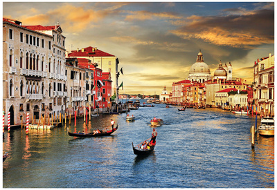 Venetian sunset cloudy skies evening, popular college travel destination