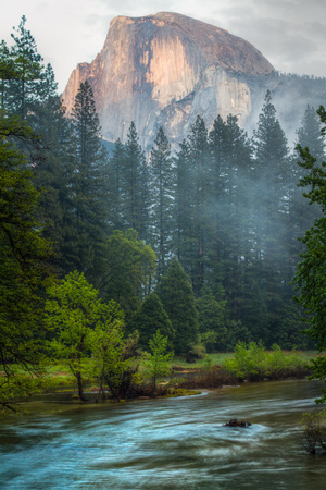 Half Dome and the Merced River at Sunset Fotoprint van Greg Winston