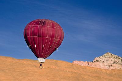 Hot Air Balloon. Photographic Print by William Scott