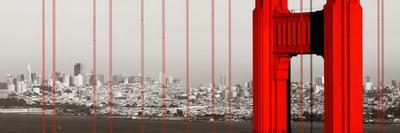 Golden Gate Bridge Closeup Panorama in San Francisco as the Famous Landmark. Fotografie-Druck von Songquan Deng