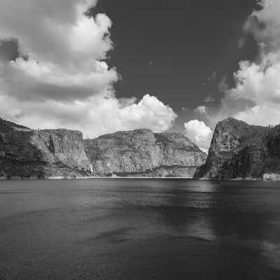 Hetch Hetchy Valley Reservoir, Sierra Nevada Range, CAlifornia Photographic Print by Anna Miller