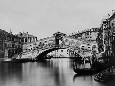Rialto Bridge Photographic Print by Hulton Archive