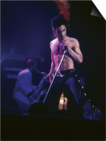 Prince, Shirtless on Stage, March 1986 Magnetic Art Baskı