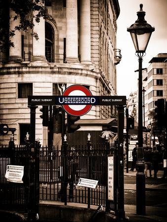 The London Underground Sign - Public Subway - UK - England - United Kingdom - Europe Fotografie-Druck von Philippe Hugonnard