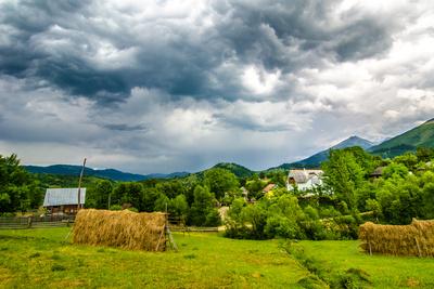 Paysage rural, Les Maramures, Meilleures Destinations de Voyage, Roumanie, poster photo par David Ionut