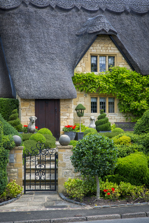 Thatched Roof Cottage in Chipping-Campden, Gloucestershire, England Photographic Print by Brian Jannsen