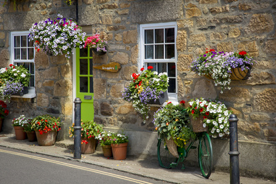 Entrance to Smugglers Bed and Breakfast in Marazion, Cornwall, England Lámina fotográfica por Brian Jannsen