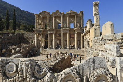 Library of Celsus, Roman Ruins of Ancient Ephesus, Near Kusadasi Fotografie-Druck von Eleanor Scriven