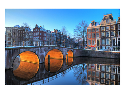 Canal image in Amsterdam, popular college travel destination