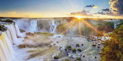 Brazil, Iguassu Falls National Park (Cataratas Do Iguacu), Devil's Throat (Garganta Do Diabo) Fotografisk tryk af Michele Falzone