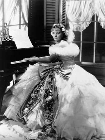 So Red the Rose, Margaret Sullavan, (In a Gown by Travis Banton), 1935 Foto