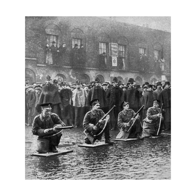 Standoff on Sidney Street, Stepney, London, 3rd January 1911 Giclee Print