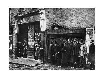 The Sidney Street Siege, Whitechapel, London, 1911 Giclee Print