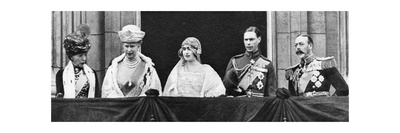The Duke and Duchess of York at Buckingham Palace after their Marriage, April 1923 Giclee Print