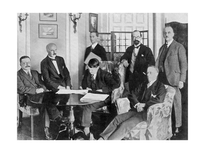The Treaty Makers, 6 December 1921 Giclee Print