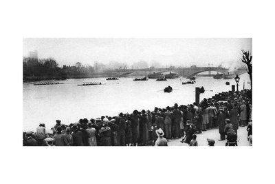 Start of the Oxford and Cambridge Boat Race, London, 1926-1927 Giclee Print