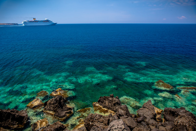 Cruise Ship beyond Reef Photographic Print by  EvanTravels