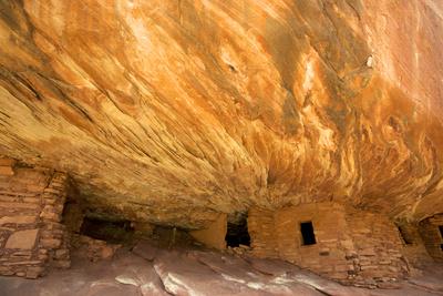 Mule Canyons House on Fire Ruin, Anasazi Ruins, Cedar Mesa, Utah Photographic Print by Richard Wright