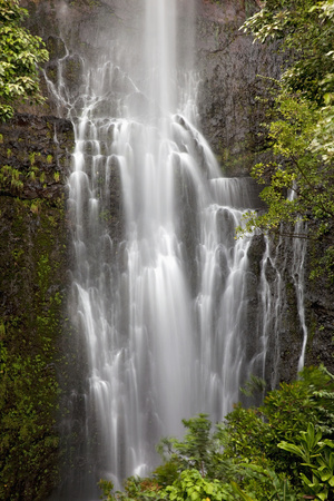 Hawaii, Maui, Kipahulu, Wailua Falls Photographic Print by  Design Pics Inc