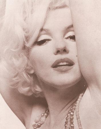 """Hollywood è un posto dove ti pagano mille dollari per un bacio e cinquanta centesimi per la tua anima"""" cit. M.Monroe - ritratto-di-marilyn-monroe"""