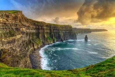 Cliffs of Moher at Sunset, Co. Clare, Ireland Fotografisk tryk af Patryk Kosmider