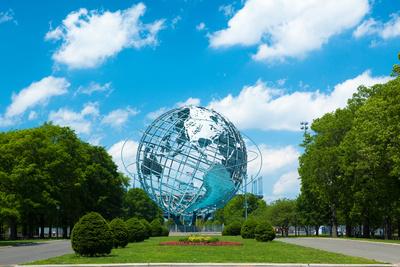 1964 New York World's Fair Unisphere in Flushing Meadows Park Lámina fotográfica por  EvanTravels