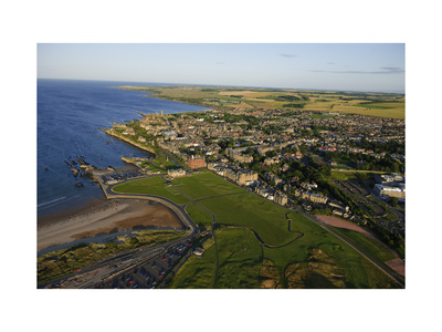 St Andrews Giclee Print by Dom Furore